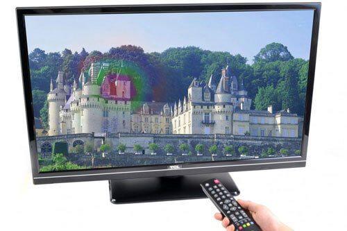 Hình ảnh của tivi bị nhiễm từ - màu sắc bị biến dạng