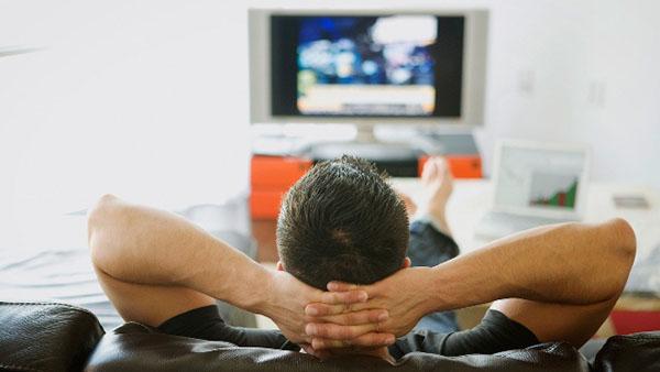 nguy hai khi xem tivi