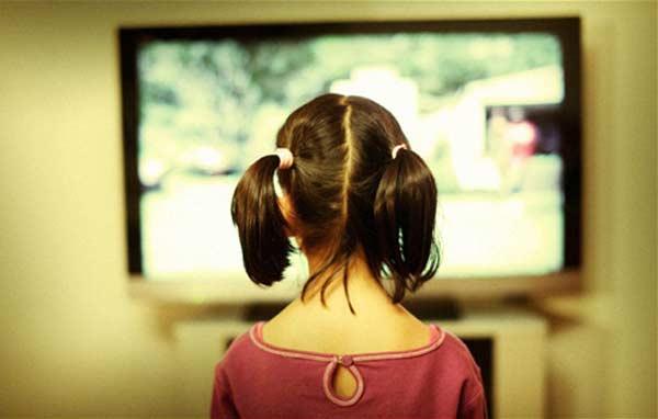 thoi-quen-tai-hai-khi-xem-tivi3